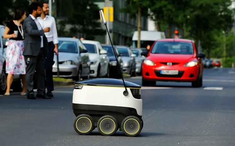 Un robot empleado en el servicio de entrega en Dusseldorf, Alemania / Starship Technologies / 7 de junio de 2016