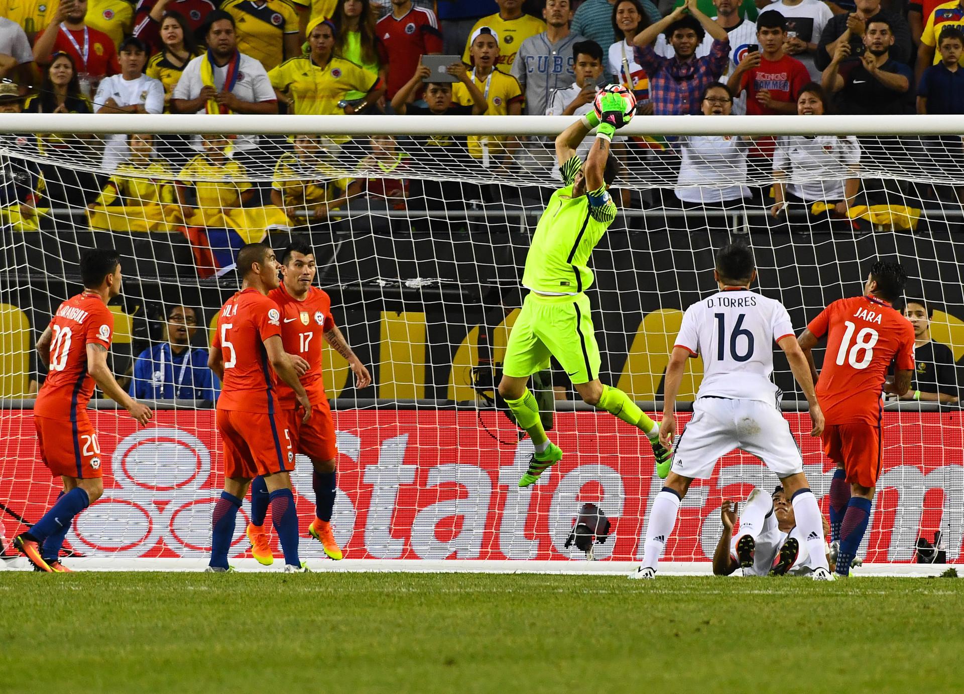 El portero de la selección chilena Claudio Bravo