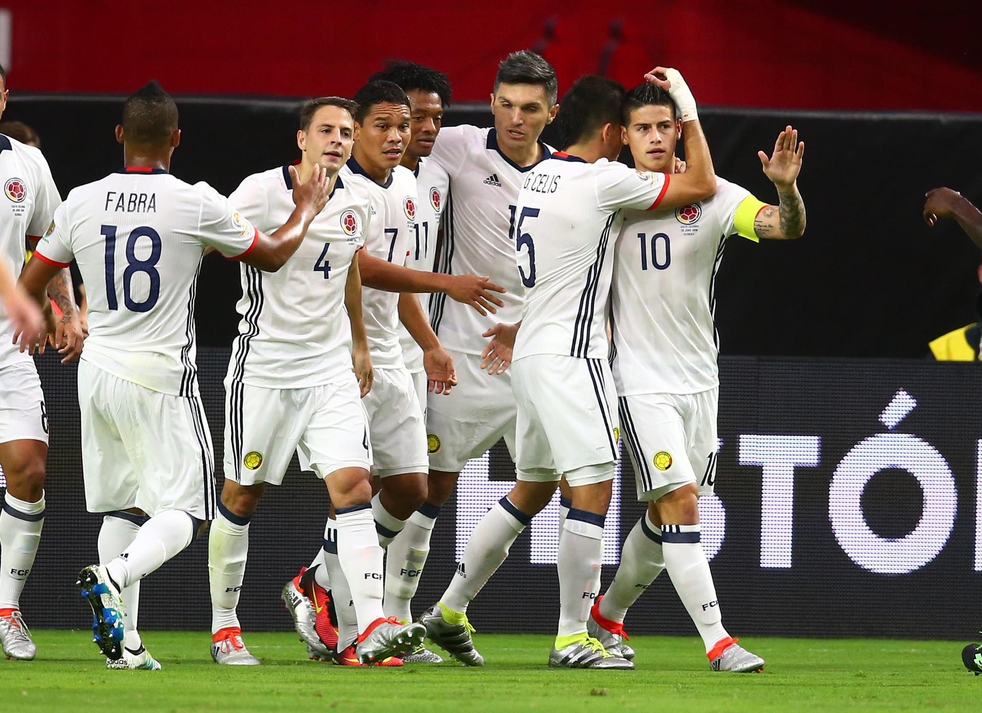 La selección colombiana celebra su primer tanto frente a Estados Unidos