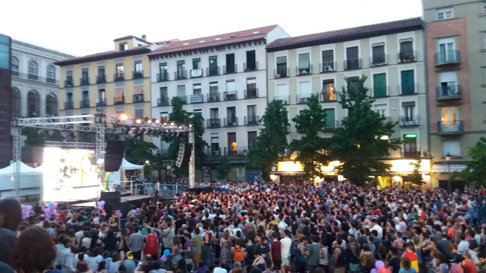 Congregación de simpatizantes de Unidos Podemos en Madrid el 26-J