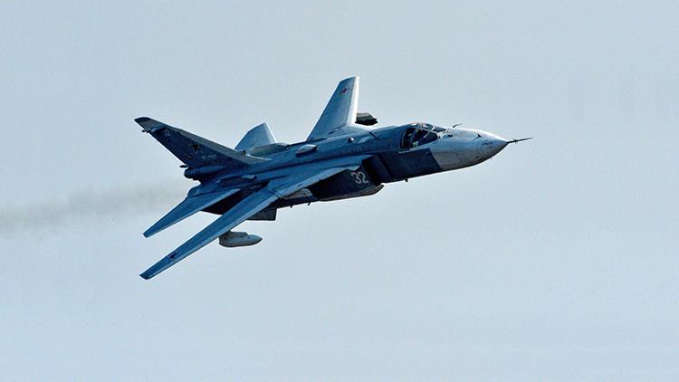 Un bombardero ruso Su-24 durante un simulacro en un polígono en Primorie (Rusia) el 21 de abril de 2016.