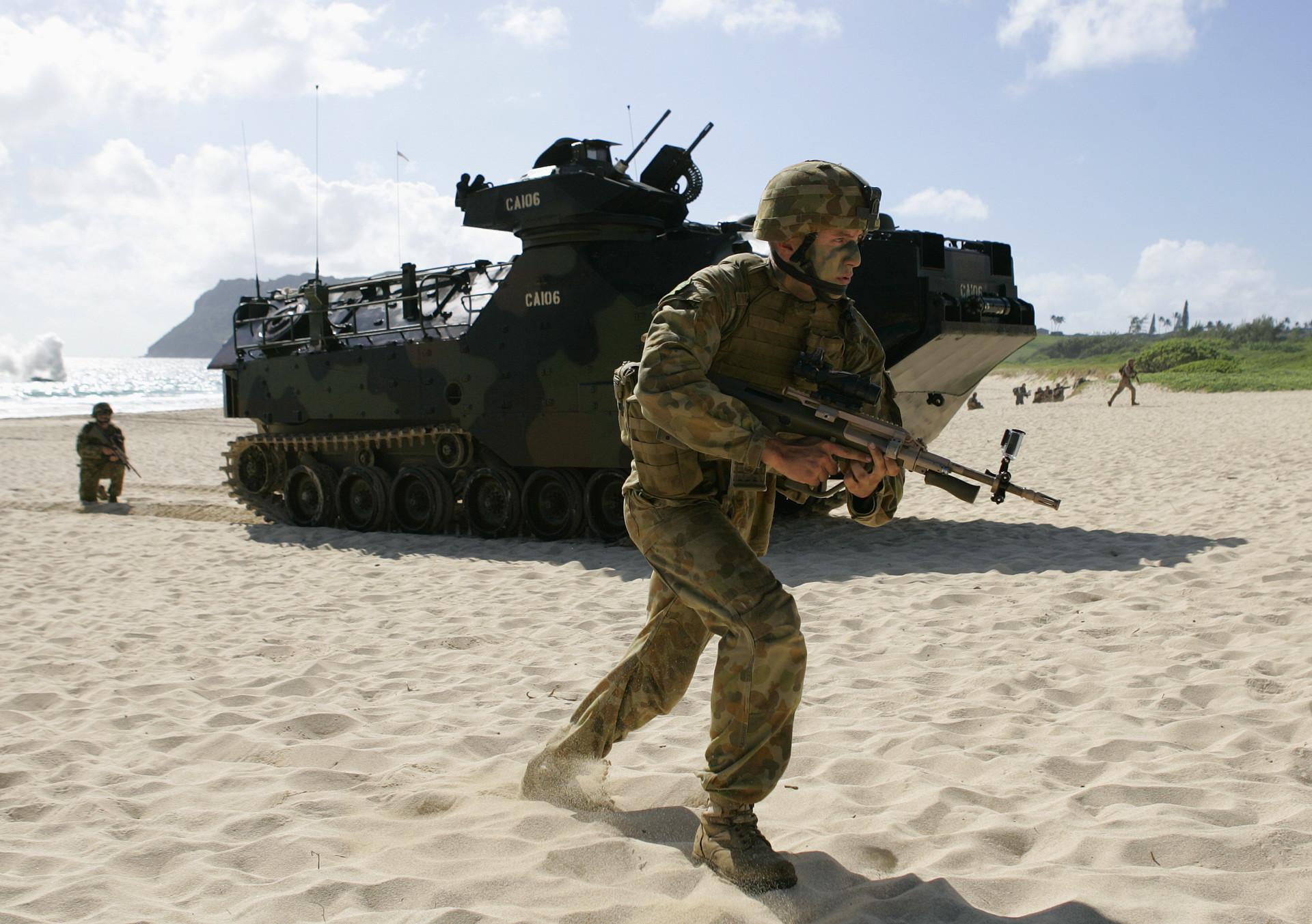 Un soldado australiano durante ejercicios militares en Hawái. 29 de julio de 2014.