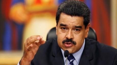 El presidente de Venezuela, Nicolás Maduro, habla en rueda de prensa en el Palacio de Miraflores en Caracas, Venezuela, el 17 de mayo de 2016.
