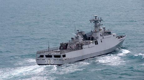 La nave KRI Sultan Hasanuddin de la Armada de Indonesia