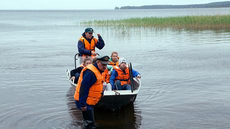 Operación de búsqueda y rescate en la zona del lago Syamozero en Carelia, donde en una expedición turística murieron ahogados 14 niños tras una tormenta, el 19 de julio de 2016.