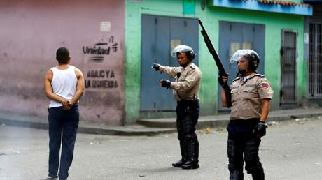 Vinculan a policías de municipio opositor con asesinato de periodista en Venezuela