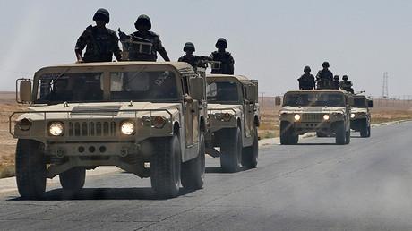 Un convoy militar cerca de la ciudad jordana de Ruwaished.