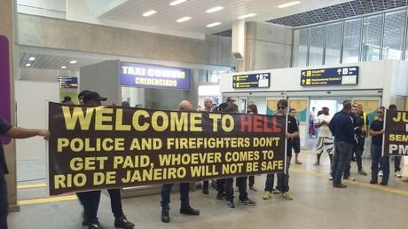 Bienvenidos al infierno. Policías y bomberos no reciben salario. Quien venga a Río no estará a salvo