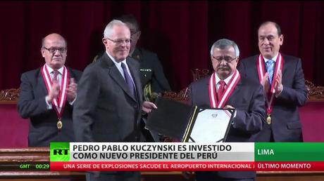Pedro Pablo Kuczynski es investido como nuevo presidente de Perú