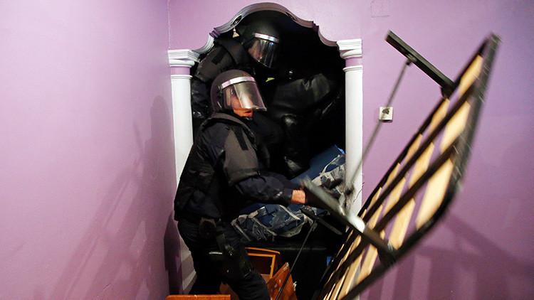 Video: Policías agreden a ciudadanos durante un desalojoen el sur de Madrid