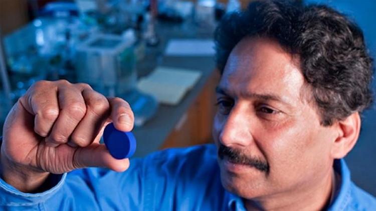 Dr. Mas Subramanian