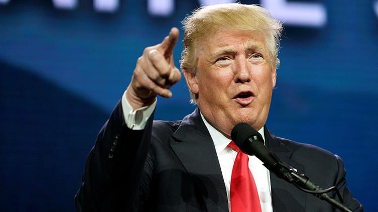 Ni un día sin escándalo: Trump acusado de antisemita por una estrella de David en un 'tuit'