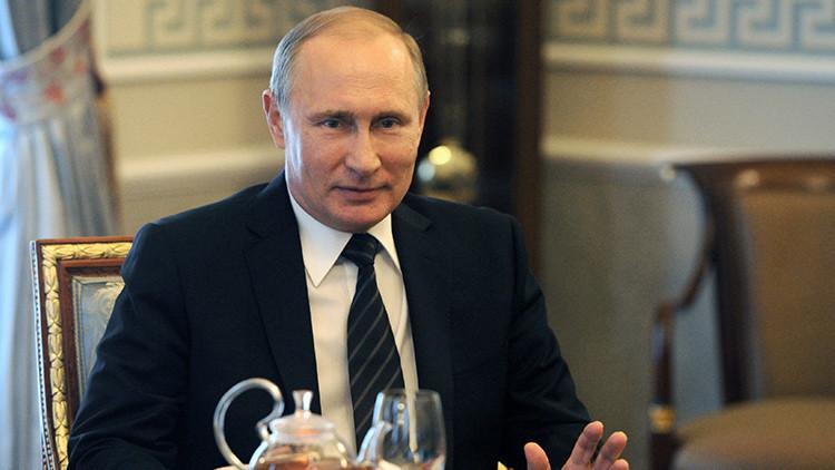 """""""Asociación de igualdad y respeto"""": Putin felicita a Obama por el Día de la Independencia de EE.UU."""