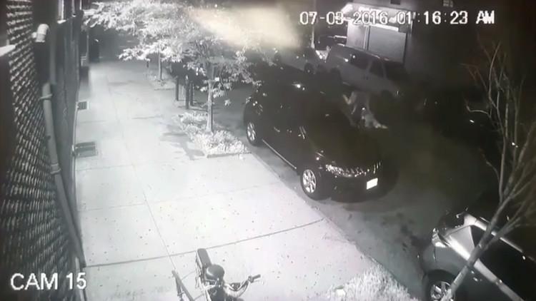 Video: Jóvenes musulmanes, golpeados brutalmente cerca de una mezquita en Brooklyn