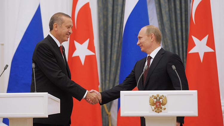 """""""EE.UU. debe seguir el ejemplo turco y hacer las paces con Rusia"""""""
