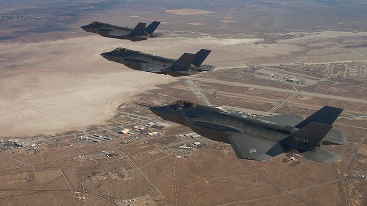 VIDEO: Así repostan en pleno vuelo los cazas F-35