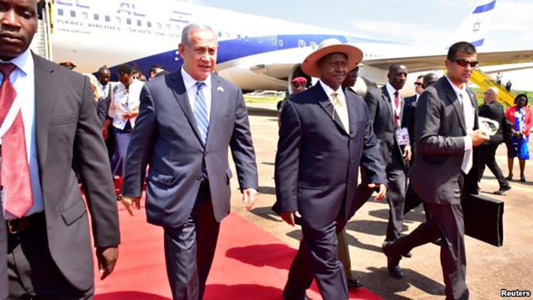 Lapsus diplomático: el presidente de Uganda confunde Israel y Palestina en plena visita de Netanyahu