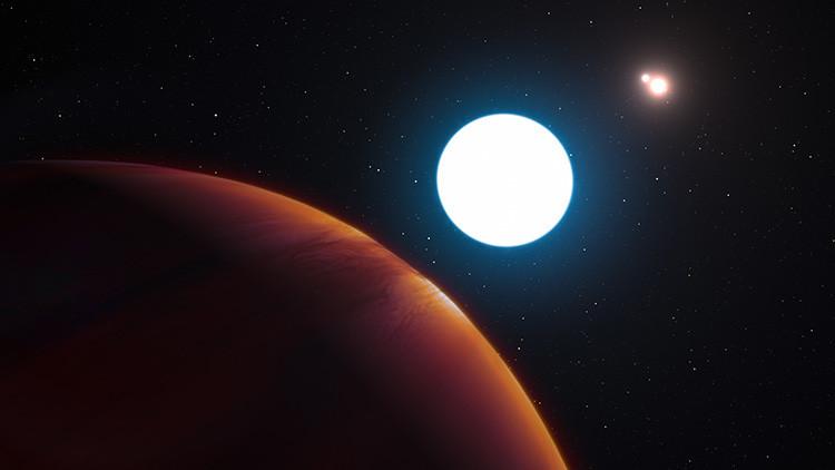 Más impresionante que el hogar de Luke Skywalker: descubren un planeta con tres soles (video)