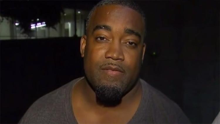 Uno de los sospechosos del tiroteo de Dallas entrega su arma a la Policía (VIDEO)