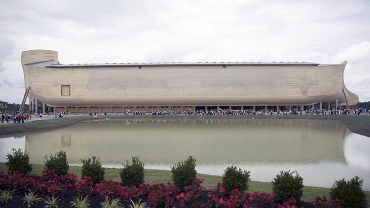 Abre sus puertas en EE.UU. un polémico modelo del Arca de Noé