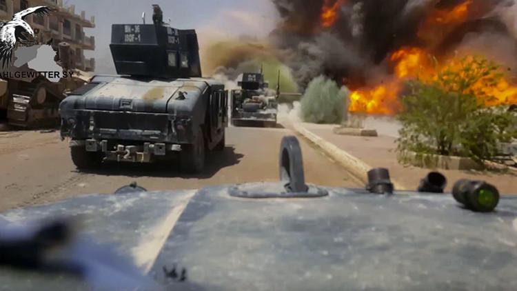 VIDEO IMPACTANTE: Coche bomba del Estado Islámico explota junto a soldados iraquíes