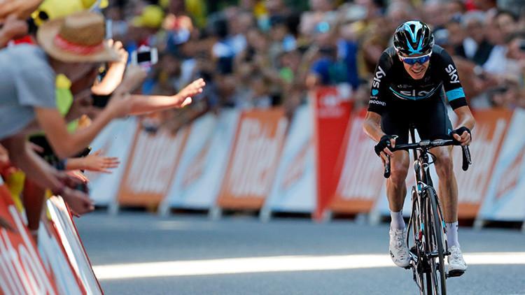Chris Froome en el tramo final de la octava etapa del Tour de Francia