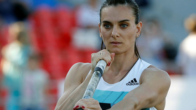 La IAAF prohíbe a Isinbáyeva y otros atletas rusos participar en los juegos de Río