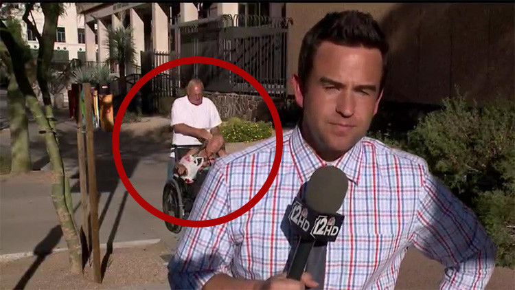 Video: Hacía un reportaje en vivo mientras a sus espaldas pasó esto