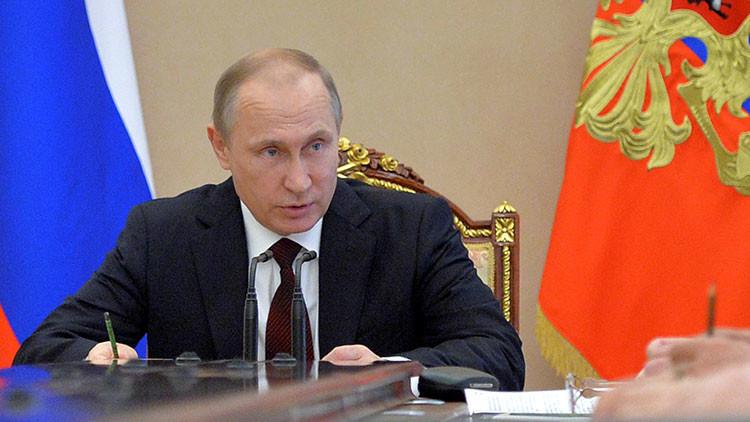 Putin lamenta que EE.UU. no haya respondido a las llamadas para coordinar tareas respecto a Siria