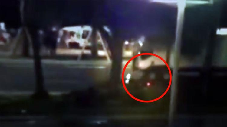 VIDEO: Un motociclista se juega la vida en el intento de detener al terrorista de Niza
