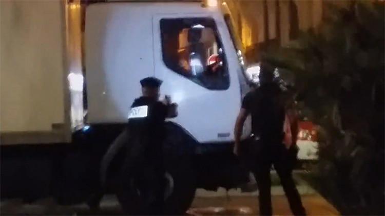 NUEVO VIDEO: La Policía asalta el 'camión de la muerte' en Niza y abate al terrorista