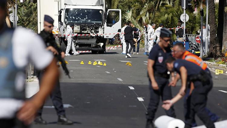 Fuerzas de seguridad francesas registran un camión sospechoso cerca de Niza