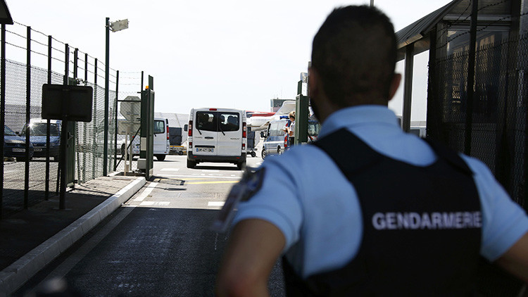 Video: Evacuan el aeropuerto de Niza