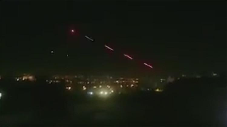 Video: Captan el momento en que un helicóptero militar abre fuego en Ankara