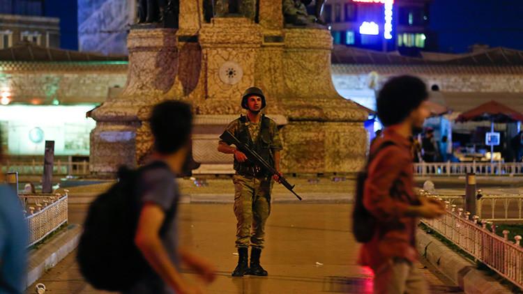 """""""Erdogan tiene tiempo hasta la mañana para que no estalle la guerra civil"""""""