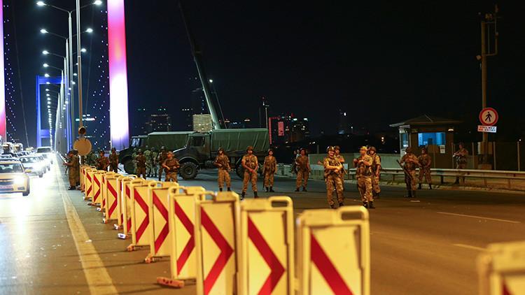 VIDEOS: Primeras imágenes del Golpe de Estado en Turquía