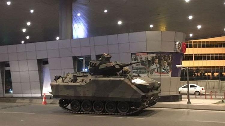 Estalla un tiroteo en el aeropuerto Internacional de Estambul