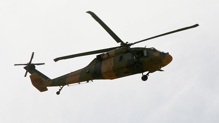 """Turquía: Un caza F-16 turco derriba el helicóptero rebelde que """"portaba a los líderes del golpe"""""""