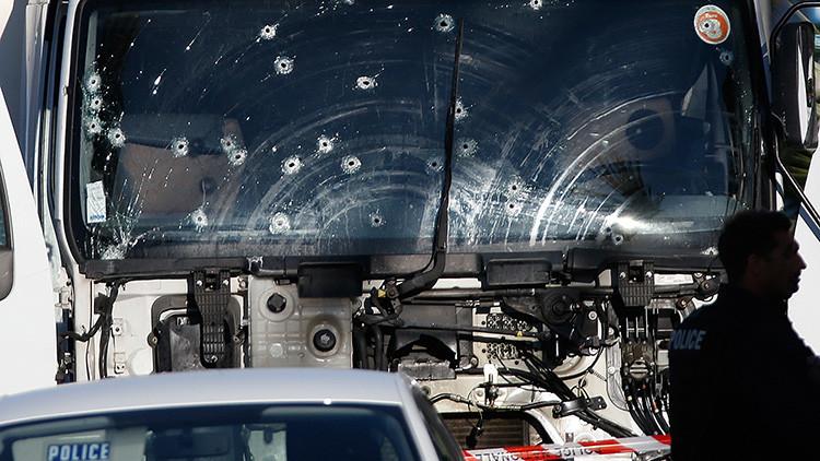Un espeluznante video graba de frente la llegada del camión de la matanza de Niza