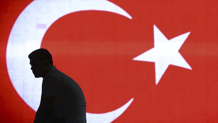 Por qué se organizó y por qué fracasó el intento de golpe de Estado en Turquía