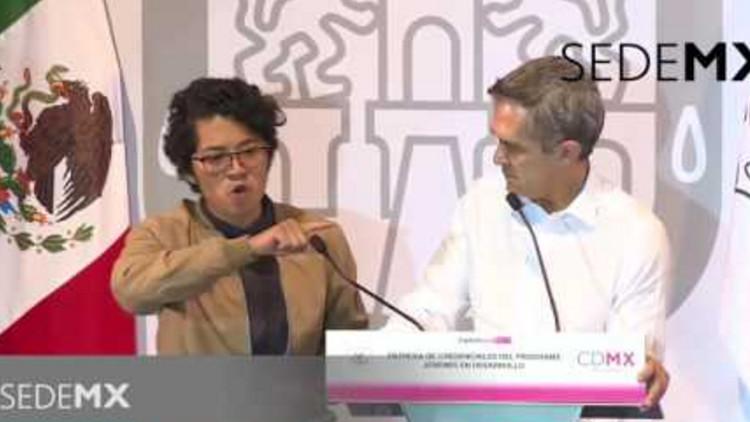 """VIDEO: Joven estudiante llama """"fascista"""" al Gobierno de Peña Nieto"""