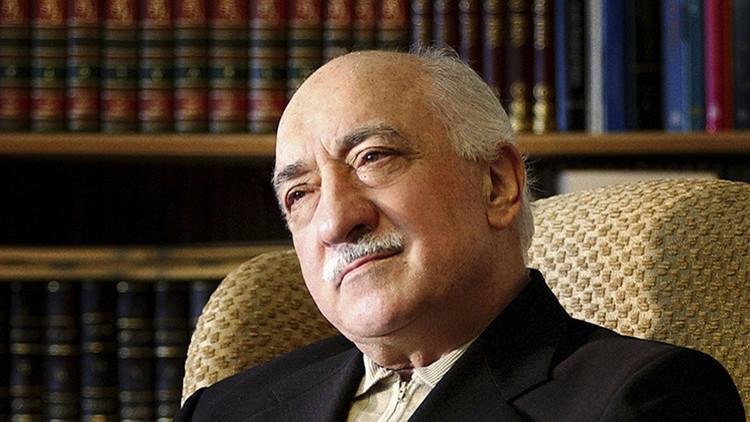 ¿Quién es el hombre al que apunta el Gobierno turco como instigador del fallido golpe de Estado?