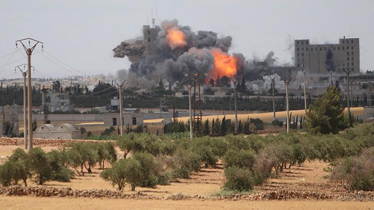 Siria: Fuerte explosión en una fábrica militar en Alepo