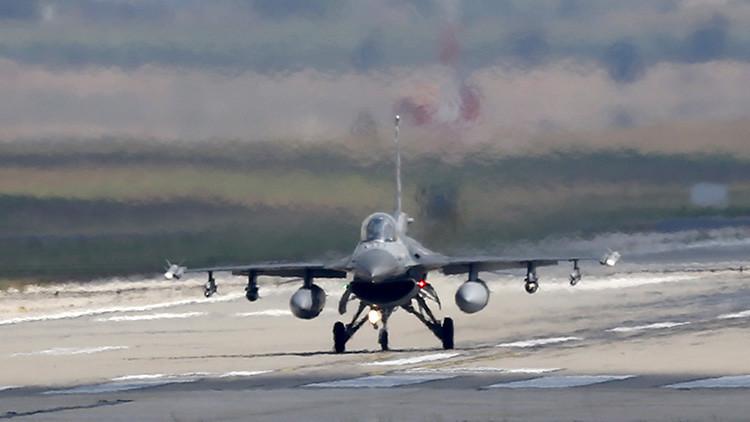 Varios cazas F-16 sobrevuelan el sur de Turquía