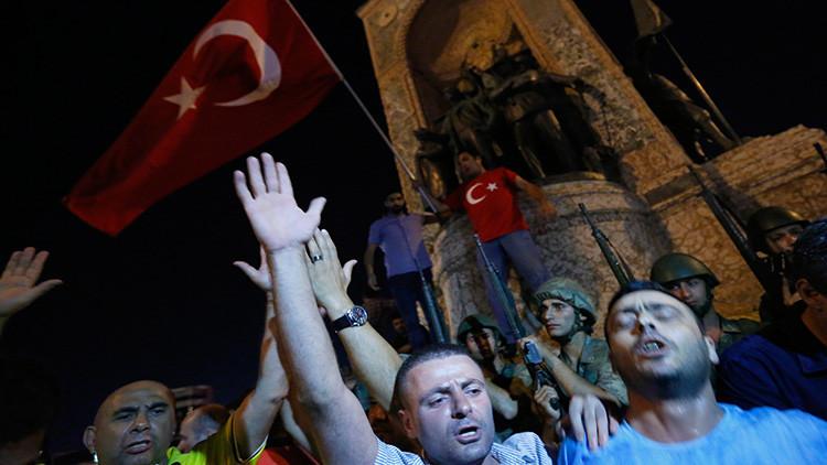 """""""En dos años otro golpe de Estado sacudirá Turquía"""""""
