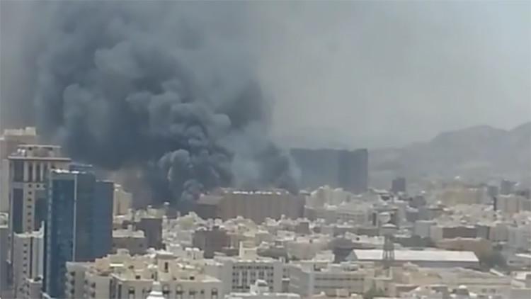 Videos: Se produce un gran incendio en un hotel de La Meca