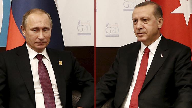 Putin habla con Erdogan tras el golpe de Estado fallido en Turquía
