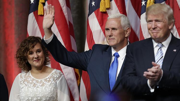¿Es una vampira? Inquietud en las redes por la hija de un político que 'desaparece' en una foto