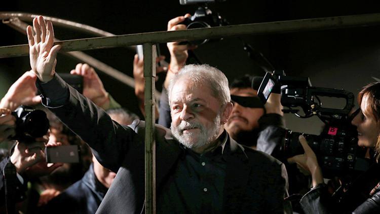 Lula da Silva encabeza las encuestas presidenciales en Brasil