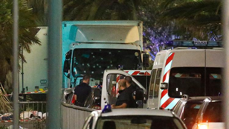 La foto del mal: El terrorista de Niza se tomó una 'selfie' en el camión que utilizó en el atentado
